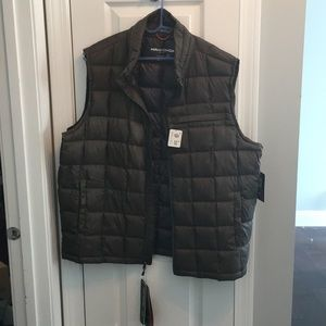NWT down vest. Packable into its own pocket. Olive
